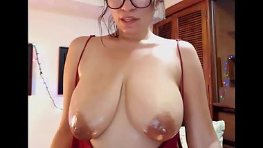 Young girl with natural big tits Nattysoho