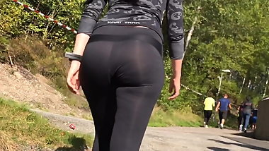 Phat thick juicy ass milf booty eatin up tight spandex