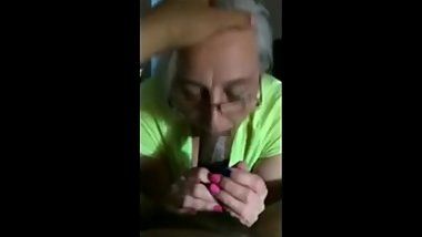 Mature Mom give head for Amazing Blowjob