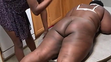 YOUNG GIRL SPANK AN UNGLY OLD LADY WITH BIG BUTT