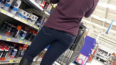 Young Milf Jeans Ass